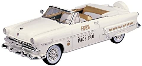Lindberg Model Kit - 1953 Ford Convertible Indy Pace Car