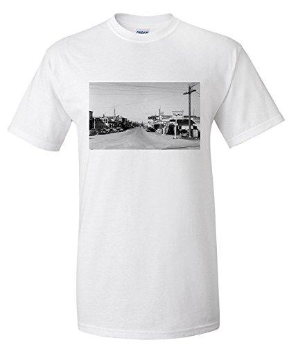 east-stanwood-washington-street-scene-view-of-a-texaco-gas-station-premium-t-shirt