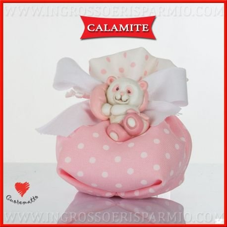 Cuorematto sacchetto portaconfetti in tessuto alla base rosa con pois bianchi e nella parte superiore bianco con pois rosa, decorato al collo da un magnete in resina a forma di panda poggiato su un morbido cuscino - bomboniere nascita,battesimo,comunione, confettate(1 pz. con confetti rosa)