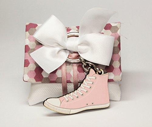 Bomboniera cresima/comunione sacchetto busta cm 8,5x h 7,5 fiocco bianco e portachiavi tipo converse ragazza colore rosa (per urgenze provare a contattare il venditore)