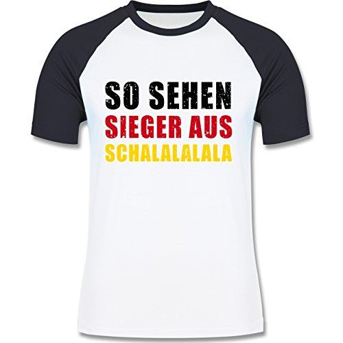 EM 2016 - Frankreich - So sehen Sieger aus! Schalalalala Deutschland - zweifarbiges Baseballshirt für Männer Weiß/Navy Blau