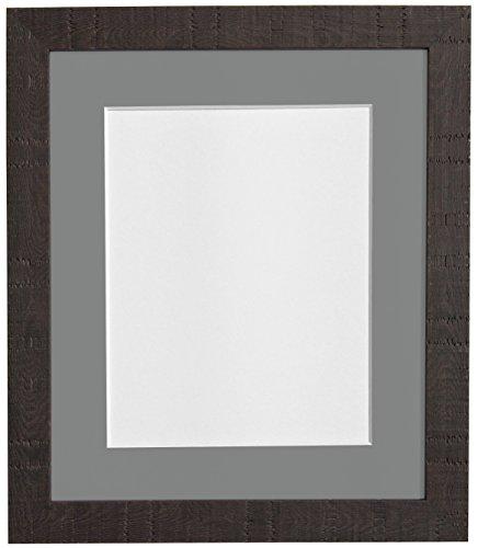 Frames By Post Tief Getreide dunkel braun Bilderrahmen mit weißem Passepartout, Schwarz, Hellblau, Rosa, Elfenbein, grau, dunkelblau grau, und Hellgrau Halterung, Dark Grey Mount, 24