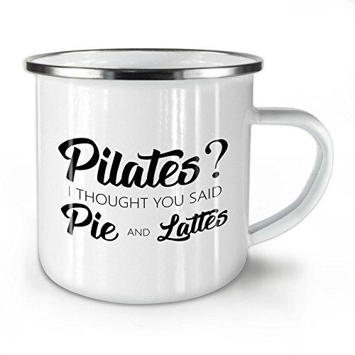 Wellcoda Pilates Kuchen Latté Emaille-Becher, Lustig - 10 Unzen-Tasse - Kräftiger, griffiger Griff, Zweiseitiger Druck, Ideal für Camping und Outdoor