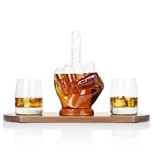 Atterstone Mittelfinger 4-teiliges Whisky-Dekanter-Set inkl. Neuheit 1000 ml Dekanter mit abnehmbarem Mittelfinger Stopper, 2 Trinkgläser und Holzsockel, 23,9 x 10,2 cm