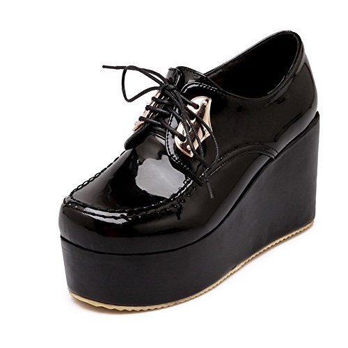AllhqFashion Damen Rund Schließen Zehe Schnüren Lackleder Rein Hoher Absatz Pumps Schuhe Schwarz