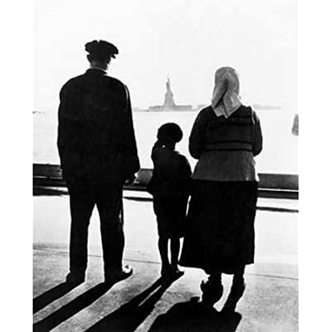 (16x20) Immigrant Family On Ellis Island Glossy Photograph by Poster Revolution