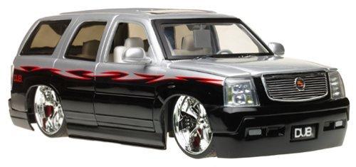 2002-cadillac-escalade-118-scale-die-cast-model-suv-silver-black-w-spintek-wheels-by-dub-city