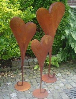 floristikvergleich.de Herz 135 cm aus Metall, bepflanzbar in Edelrost Optik, Deko für Garten und Wohnung Valentinstag