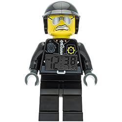 Réveil figurine lumineux Méchant flic de La Grande Aventure LEGO 9009952 pour enfant   noir/gris  plastique   hauteur de 24 cm   écran LCD  garçon/fille   produit officiel