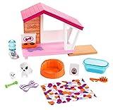 Barbie Mobilier coffret d'intérieur pour poupée avec niche pour chien, chienne, son chiot et accessoires, jouet pour enfant, FXG34