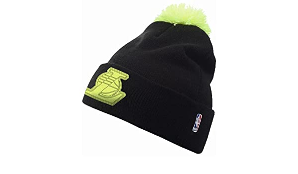 7f848dcf714 adidas Originals Women s NBA Beanie Bobble Hat - Black - LA Lakers   Amazon.co.uk  Clothing