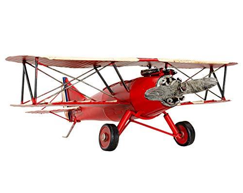 Magnífica avión modelo en estilo antiguo. Como se puede apreciar en la fotos, se trata de una pieza decorativa de gran calidad. Las dimensiones son las siguientes: 33 x 11 x 26cm (A x A x L). El peso total es de 0,5kg. La decoración solo se muestr...