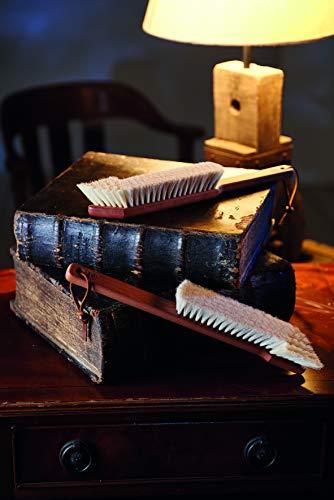 Bücherbürste Handarbeit