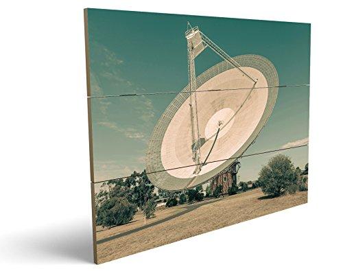 Satellitenschüssel, qualitatives MDF-Holzbild im Drei-Brett-Design mit hochwertigem und ökologischem UV-Druck Format: 100x70cm, hervorragend als Wanddekoration für Ihr Büro oder Zimmer, ein Hingucker, kein Leinwand-Bild oder Gemälde