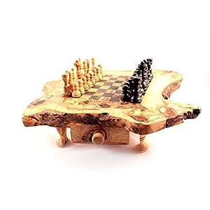 SCACCHIERA DOTATA DI CASSETTO, SCACCHI E CLESSIDRA A DUE COLONNE (articoli in legno di ULIVO lavorati interamente a mano)