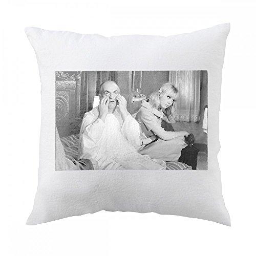 pillow-with-mylane-demongeot-and-louis-de-funas-on-set-of-fantamas
