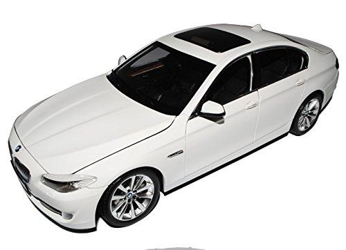 Preisvergleich Produktbild BMW 5er F10 Weiss Limousine Ab 2010 1/18 GTA Welly Modell Auto