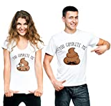 t-shirteria Coppia T-Shirt San Valentino You Complete Me Poop Boy & Poop Girl - Idea Regalo per Il...