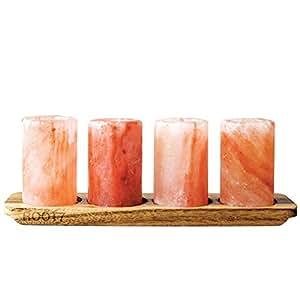 Schnapsgläser aus Himalaya-Salz, 4 Stück mit Servierbrett aus Akazienholz, von Root7. Schnapsgläser aus nachhaltig angebautem, natürlichem Himalaya-Salz. In einer schönen Klarsichtverpackung.