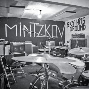 Sky Hits Ground [Import allemand]
