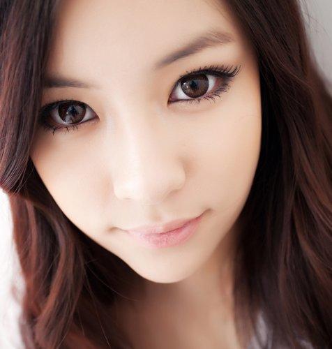 """Farbige braune""""Hazel One! Kontaktlinsen ohne Stärke mit Kontaktlinsenbehälter - perfekt für Halloween"""