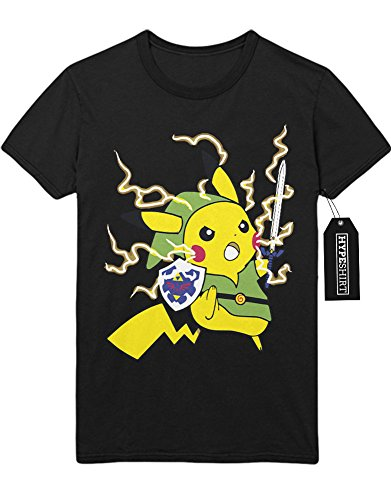 Kostüm Ash Pikachu Und (T-Shirt Pokemon Go Pikachu Link Mashup Legend of Zelda Hyrule Mastersword Triforce Trainer Kanto Official Gym Leader X Y Nintendo Blue Red Yellow Plus Hype Nerd Game C123133 Schwarz)