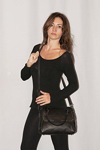 BORDERLINE - 100% Made in Italy - Esclusiva Borsa morbida da Donna in Vera Pelle con borchie- JESSICA Beige Lucido