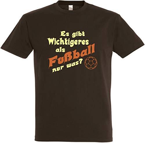 Herren T-Shirt Es gibt Wichtigeres als Fussball S bis 5XL (L, Braun)