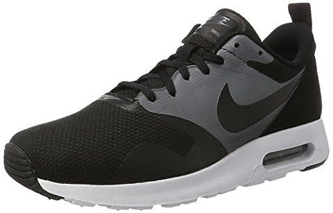 Nike Herren Air Max Tavas SE Sneakers, Schwarz (Black/Black/Dark Grey), 45 EU