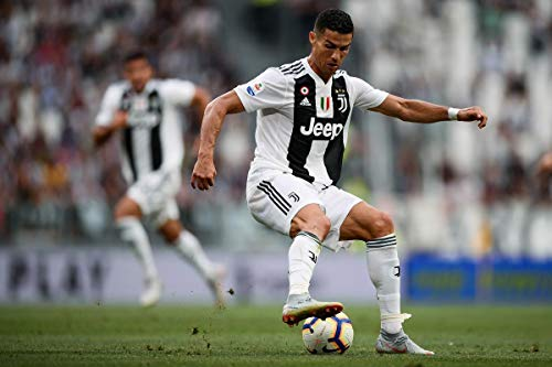 Cristiano Ronaldo - Juventus FC 18/19 - Poster Plakat Drucken Bild Poster Print - 43.2 x 60.7cm Größe Grösse Filmplakat F.C