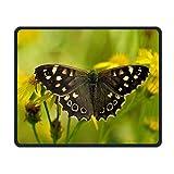 Mousepads wünschen genähte Ränder, Schmetterling auf Gelber Blume Nicht-Rutschspiel-Mausunterlage Schwarzes Tuch-Rechteck Mousepad Kunst-Naturkautschuk-Mausunterlage