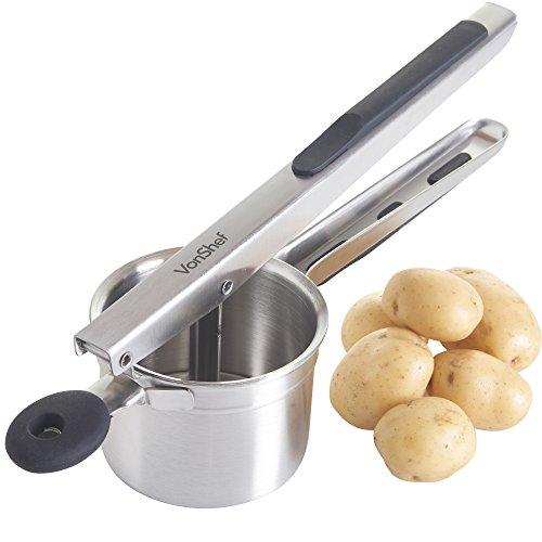 VonShef Professionelle Kartoffelpresse / Obstpresse / Spätzlepresse aus Edelstahl mit schwarzen Soft Touch Griffen