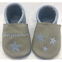 Krabbelschuhe Taufschuhe grau/hellblau mit Sternen und Namen bestickt
