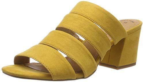 Zapato de tacón ancho de color amarillo tipo sandalia