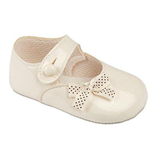 Bébé chaussures de poussette pour un mariage , baptême ou partie - polka dot arc verni ivoire