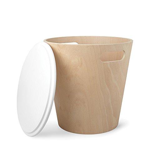 UMBRA Woodrow Storage Stool. Tabouret de rangement Woodrow. Tabouret rond en bois naturel et couvercle laqué blanc, idéal pour les petits espaces, 40.6x42cm, en bois naturel et laqué blanc.