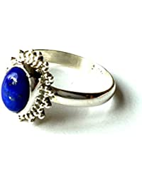 Shanya Anillo étnico de plata de Lapis lázuli, de madera maciza de plata y lapislázuli lazuli, cada Anillo es a mano. Tamaño de la piedra es de 5x 8mm. Diseño orcll. UK tamaño.