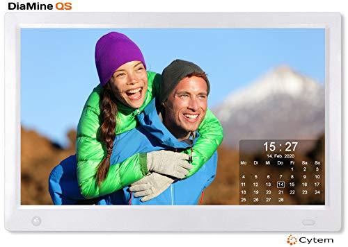 Cytem Diamine QS 13sw Digitaler Bilderrahmen 33,5cm (13.3 Zoll) in 16:9 IPS | Bewegungssensor | Transparenter Kalender | 4 Bild Anzeige | Vollbild-Uhr | Silber