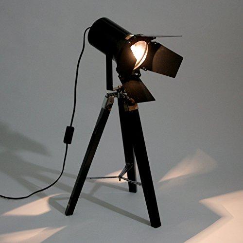 moderne stehlampe spot mit schwenkbaren klappen sch ne und moderne stativlampe aus metall in. Black Bedroom Furniture Sets. Home Design Ideas