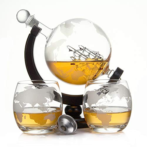 Whisky Dekanter-sets (casa-vetro Whisky Karaffe 900 ml Mundgeblasen GLOBUS und 2 Gläser Set je 350ml Glas-Karaffe Welt Dekanter Flasche 0,9 Liter l Glasflasche Likör Schnaps Wein Karaffe Dekantierer (Globus Holz Set))