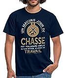 Spreadshirt Chasse Est Mieux Que Le Travail T-Shirt Homme, XL, Marine