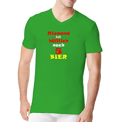 Fun Sprüche Männer V-Neck Shirt - Nach fünf Bier by Im-Shirt Kelly Green