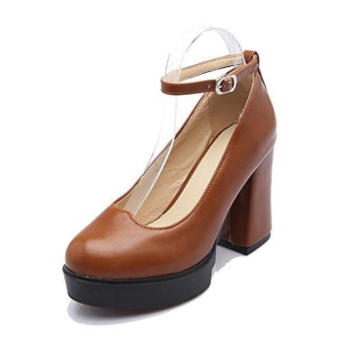 AllhqFashion Damen Weiches Material Hoher Absatz Schnalle Rund Zehe Pumps Schuhe Braun