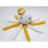 Pulpo amigurumi para recién nacido blanco-amarillo realizado con hilo de algodón. Pulpo de ganchillo - crochet para bebé.