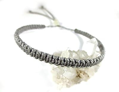 Bracelet brésilien/amitié/surf/en fil Gris tissé main en macramé forme plat avec du fil ciré Réf.PP208