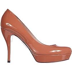 Los zapatos Gucci para mujer llegaron para redefinir la moda del ... db8f8149fd9