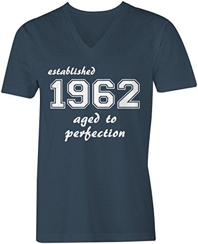 Established 1962 aged to perfection ★ V-Neck T-Shirt Männer-Herren ★ hochwertig bedruckt mit lustigem Spruch ★ Die perfekte Geschenk-Idee (03) dunkelblau