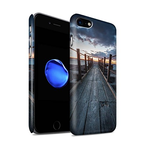 stuff4-matte-snap-on-hulle-case-fur-apple-iphone-7-holzerner-gehweg-muster-englische-strand-kollekti