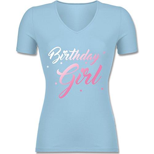 Geburtstag - Birthday Girl - Tailliertes T-Shirt mit V-Ausschnitt für Frauen Hellblau