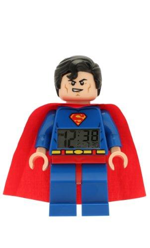 Lego DC Comics 9005701 Super Heroes Superman Kinder-Wecker mit Minifigur und Hintergrundbeleuchtung|blau/rot|Kunststoff|24 cm hoch|LCD-Display|Junge/Mädchen|offiziell